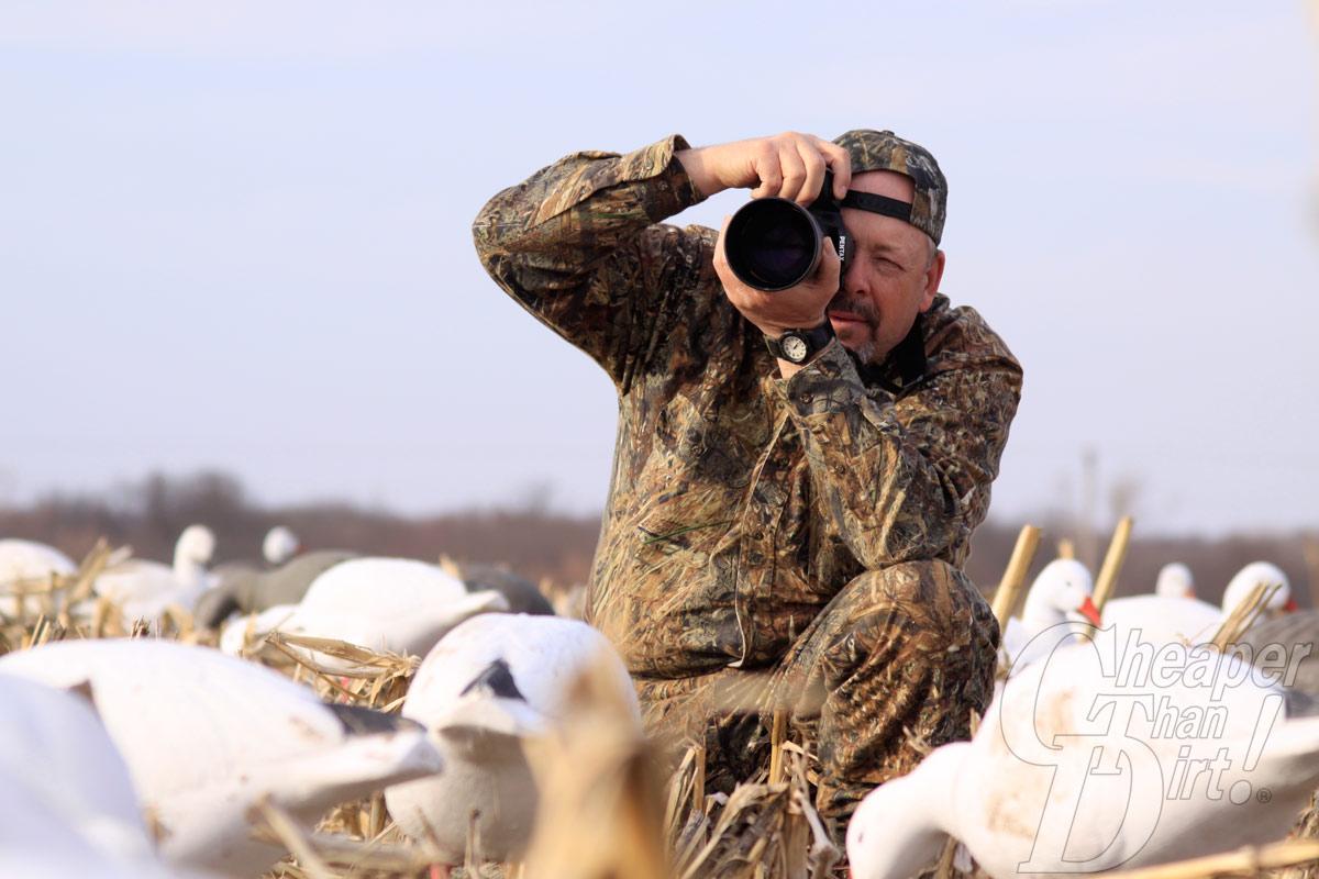 cameraman wearing Mossy Oak Snow geese