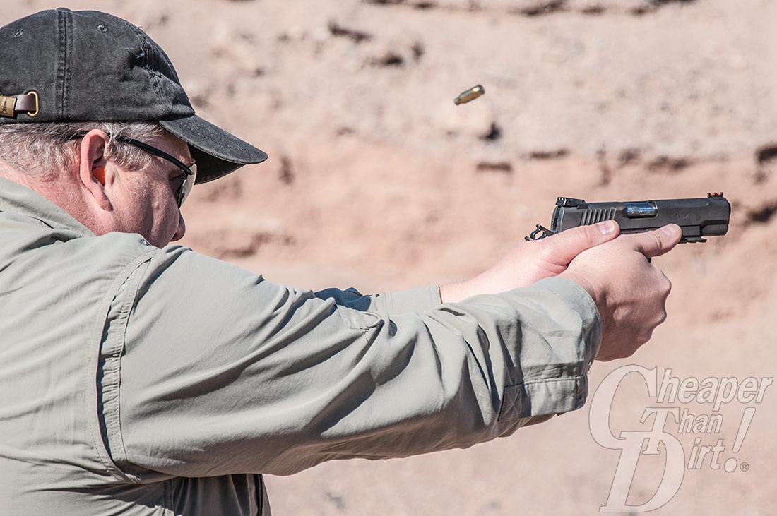 Shooting the Rock Island Armory TCM 22 VZ Midsize
