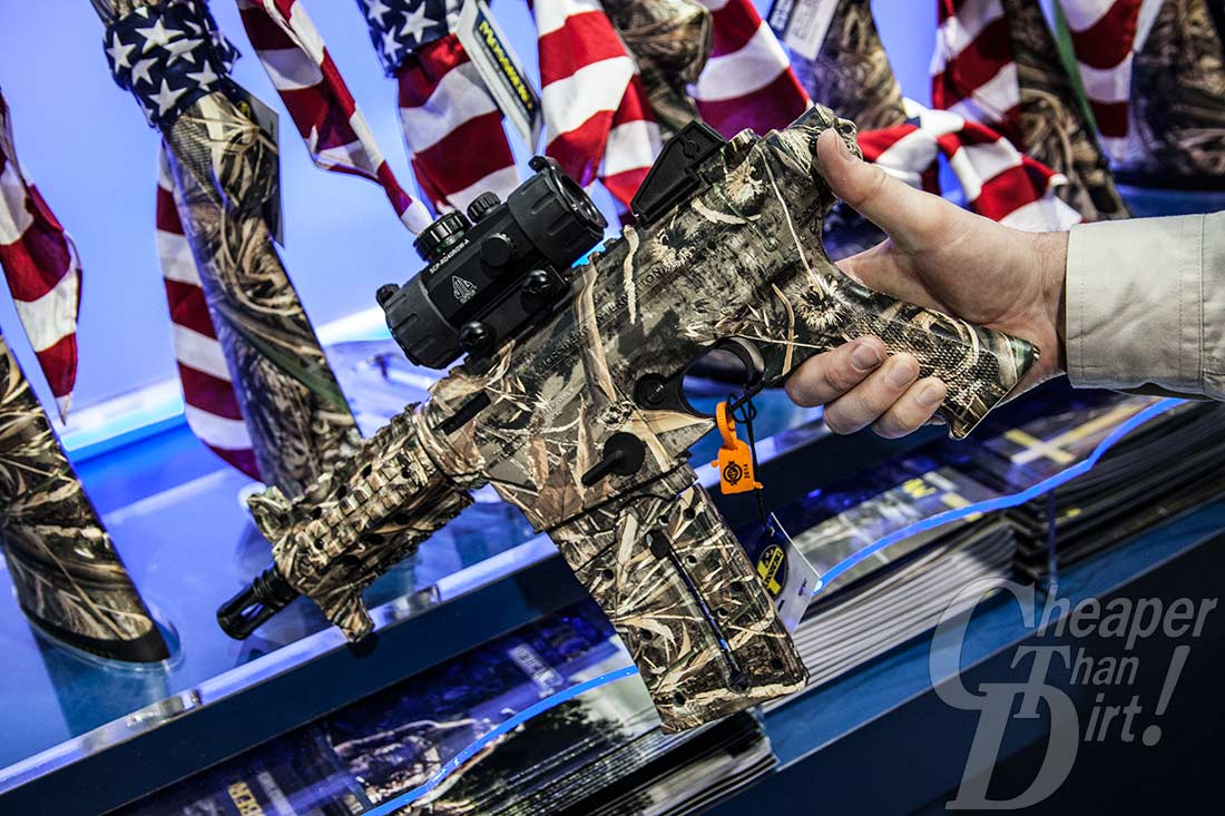 SHOT 2014: Mossberg Duck Commander Shotguns and Rifles