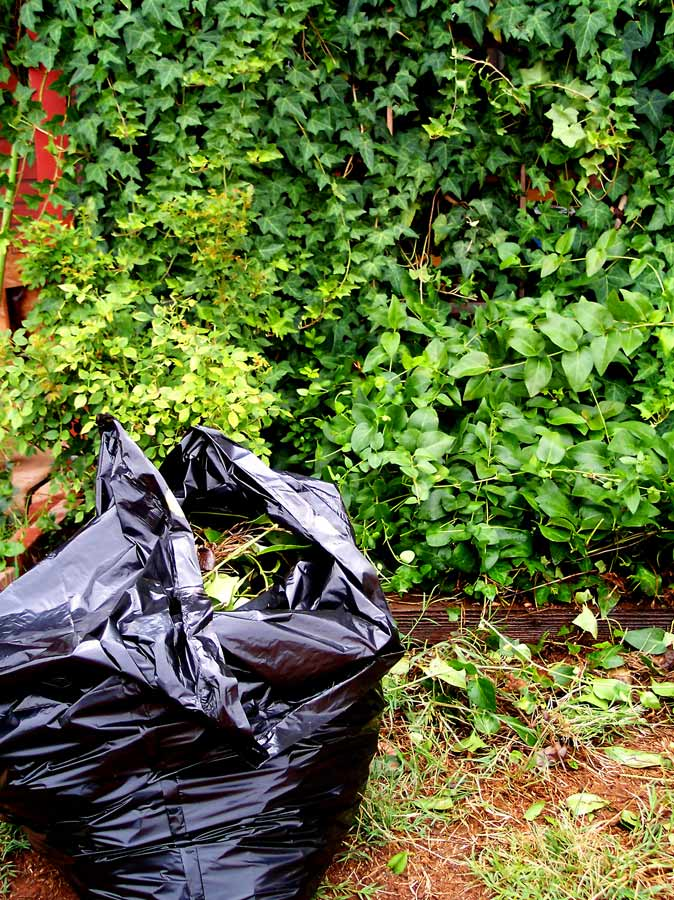 Quick Prepper Tip: 13 Ways to Use a Trash Bag