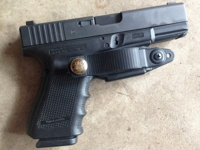 Glock 19 in an appendix carry holster