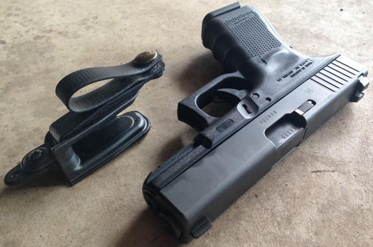Raven Vanguard II snap holser and a Glock 19 pistol