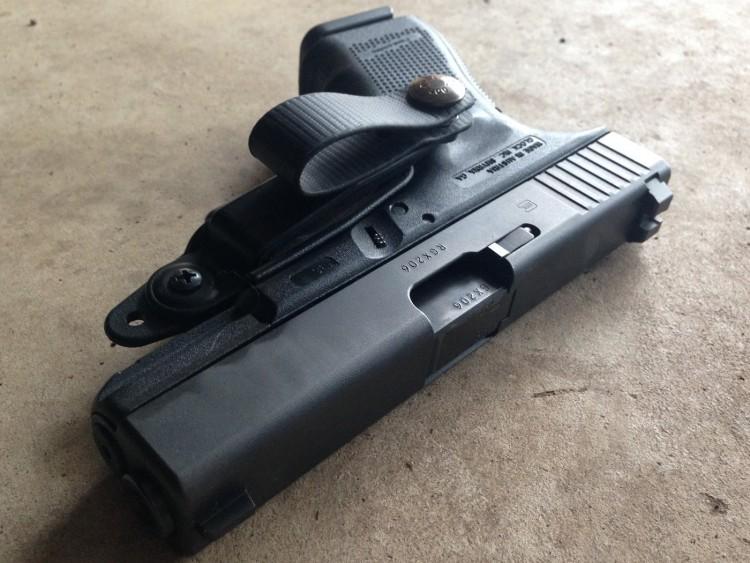 Raven Vanguard II holster on a Glock 19 pistol