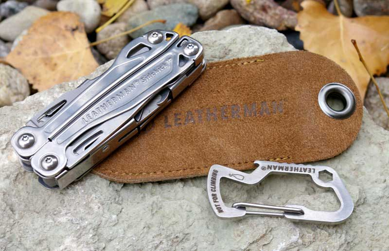 Leatherman Sidekick with carabineer and leather carry pouch