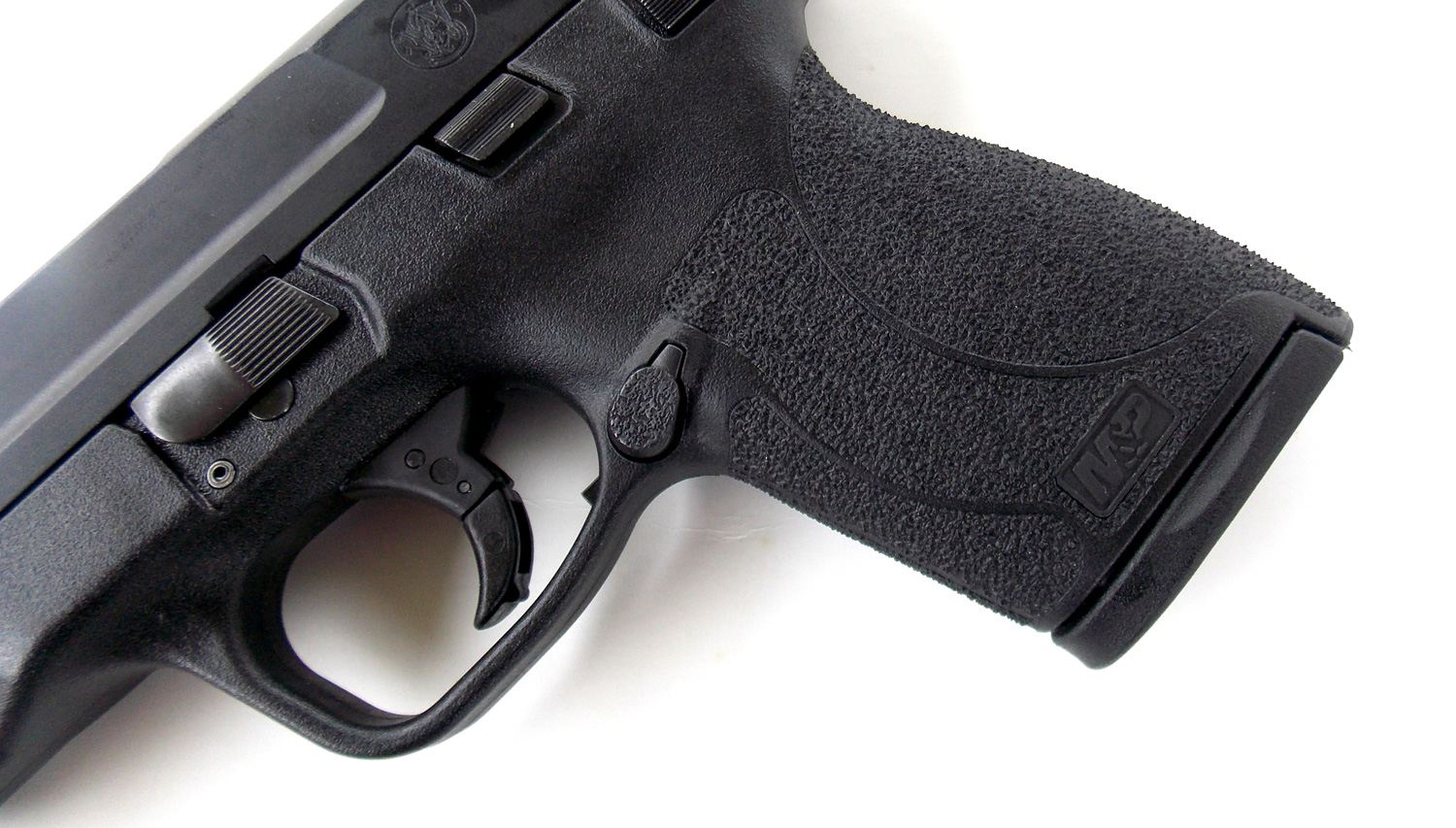 Grip abrasion on the Smith and Wesson M&P .45 Shield