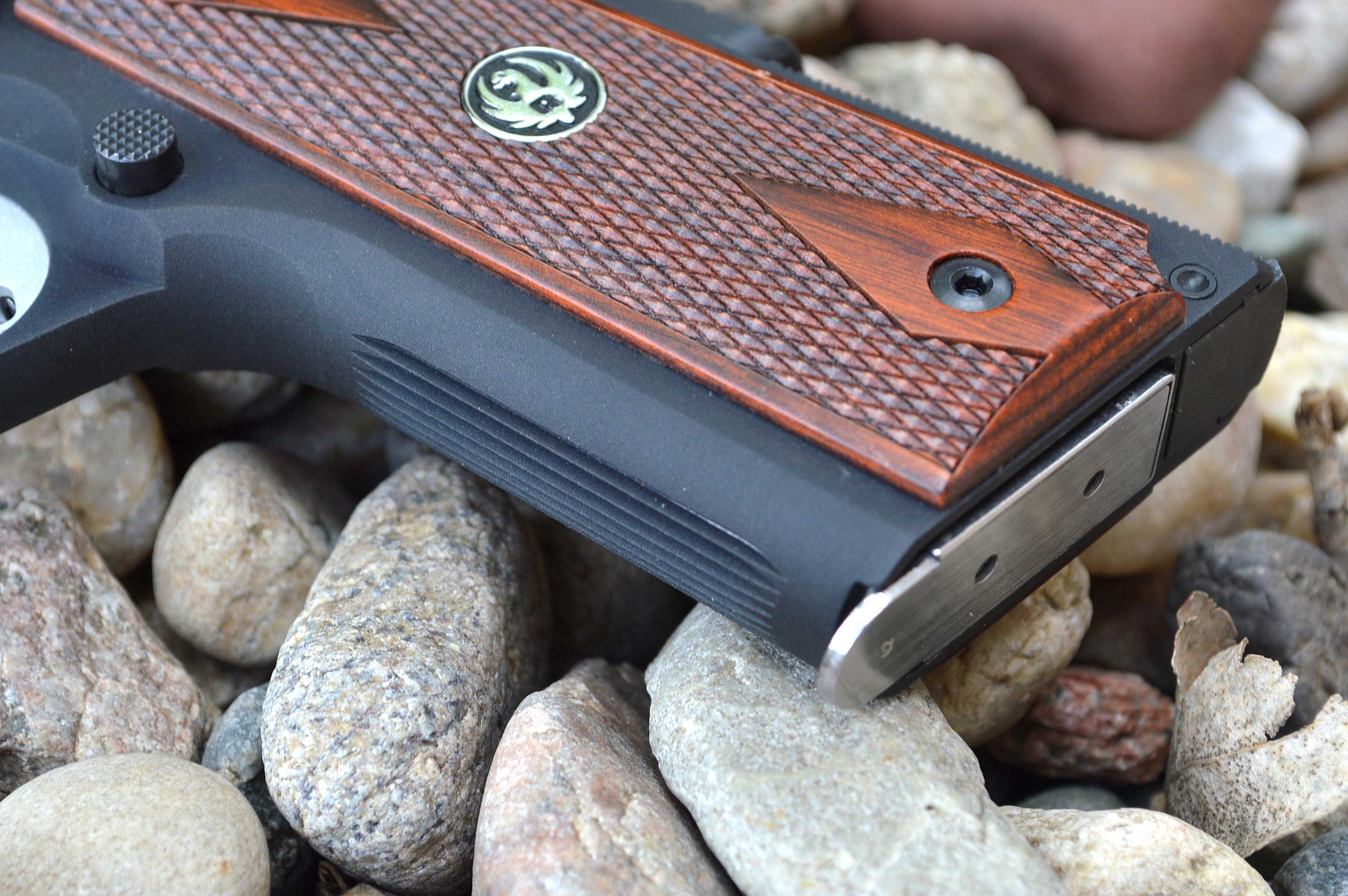 Grip face of the Ruger SR1911 pistol