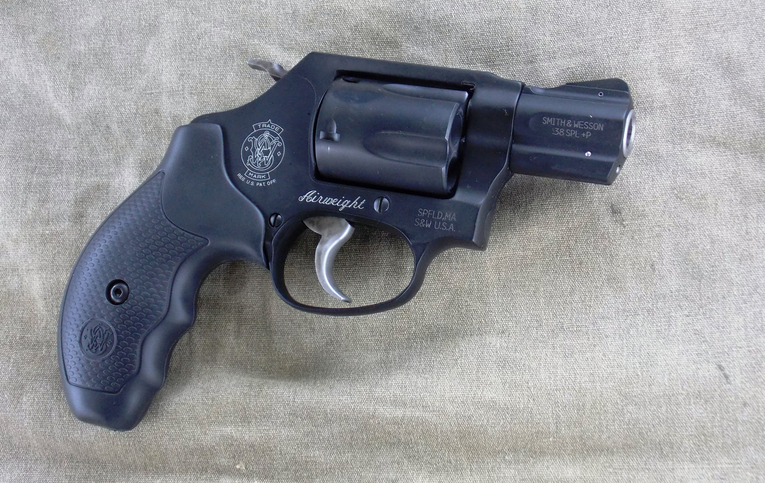 Smith and Wesson 360 snubnose .38 Special right profile