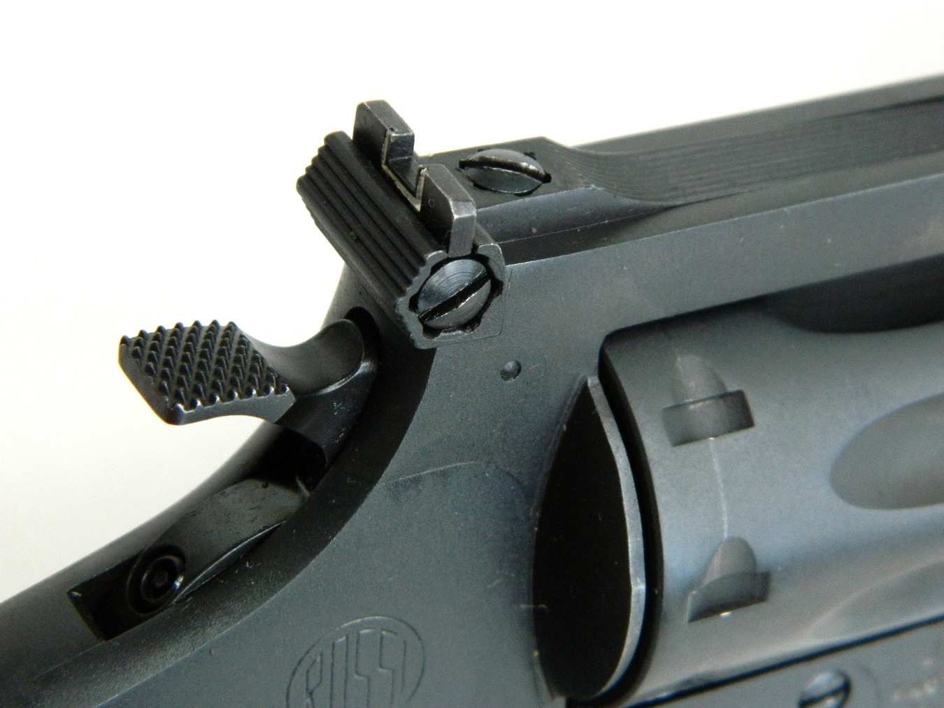 Rear blade sight on a revolver