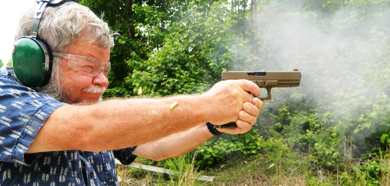 Bob Campbell shooting the Glock 17