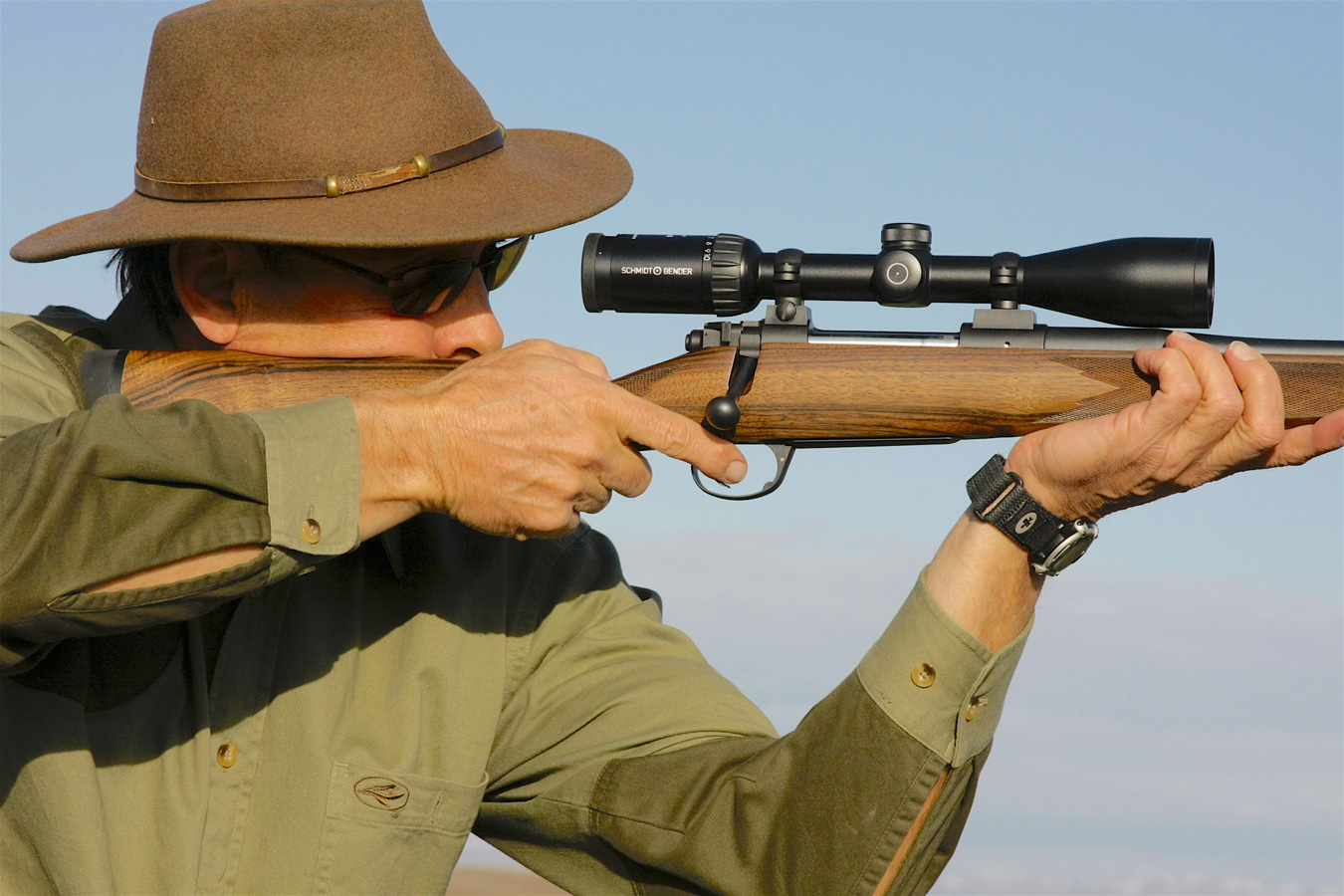 Ron Spomer shooting a rifle offhand