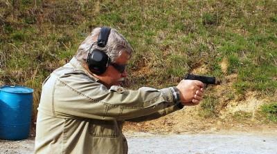 Bob Campbell shooting a SIG P365 pistol