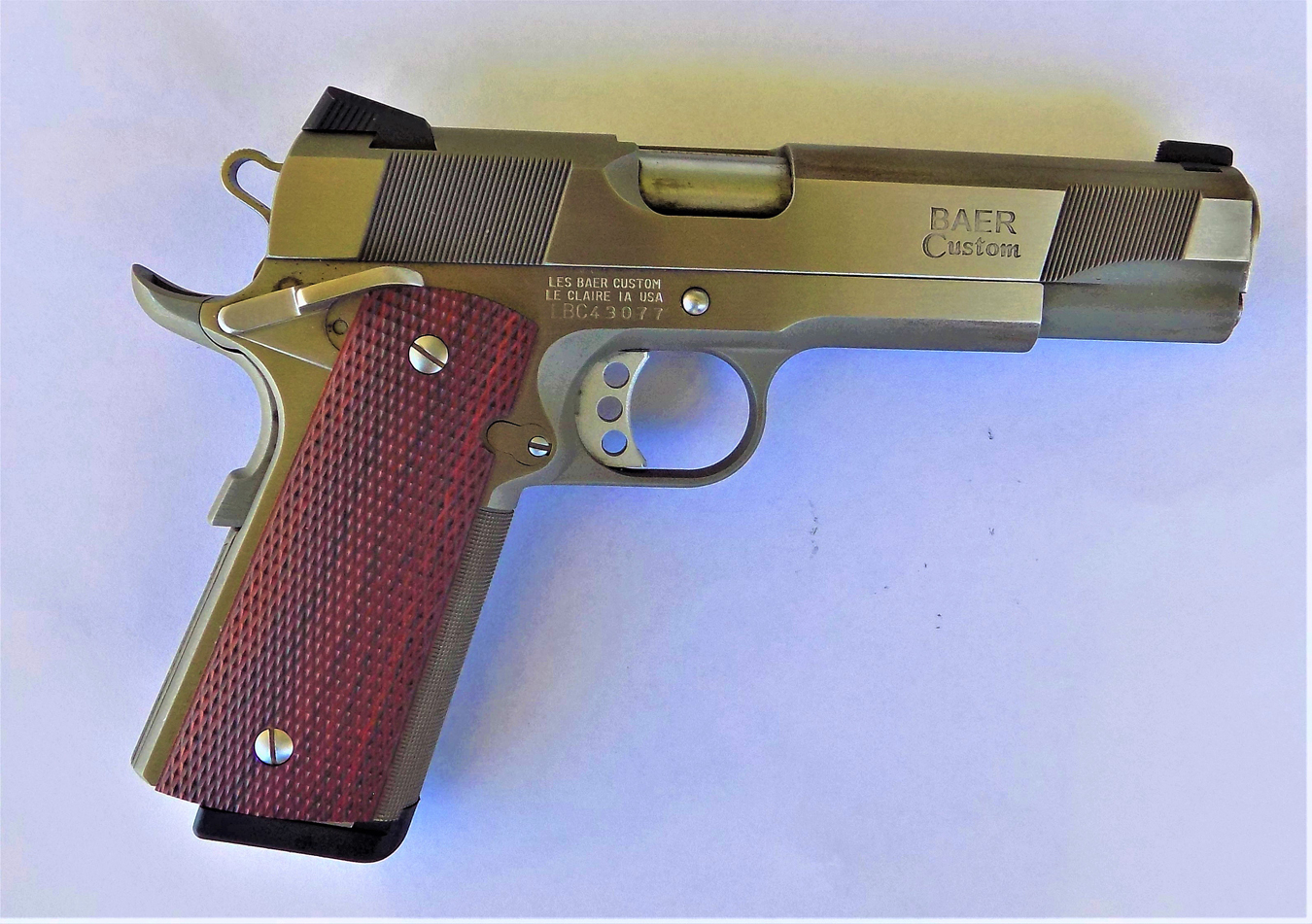 Les Baer 1911 pistol right profile