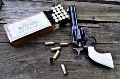 Traditions Bill Tilghman revolver and Fiocchi ammunition