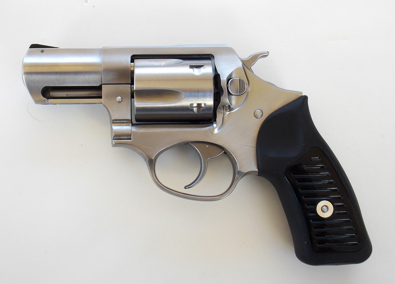 Ruger SP101 revolver left profile