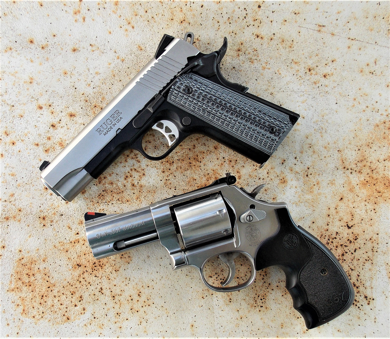 COmpact 1911 pistol and revolver