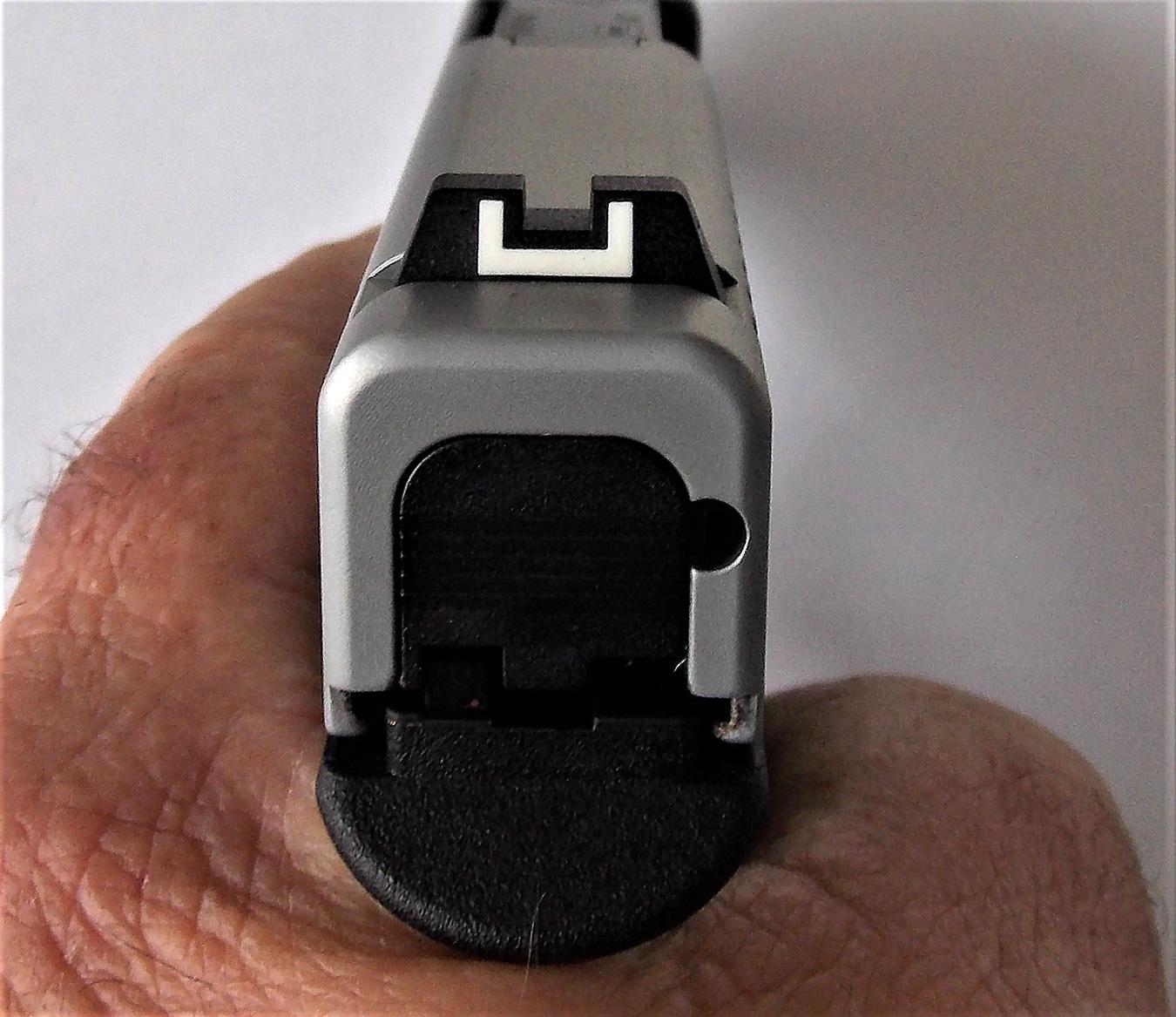 Standard Glock U-shaped rear sight